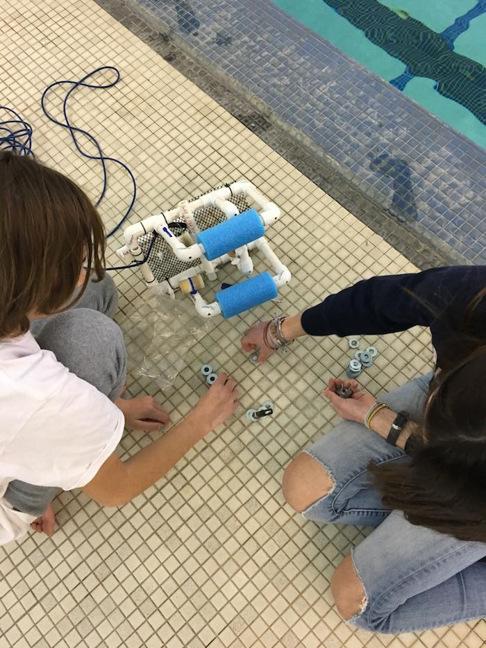 Middle School Completes ROV Testing at URI 3