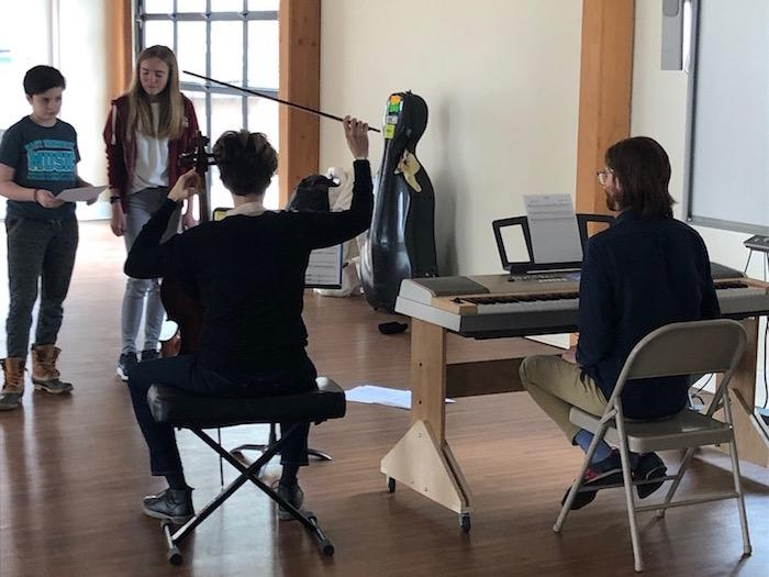 Quest Hosts Acclaimed Cellist For Student Experience 4