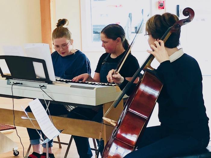 Quest Hosts Acclaimed Cellist For Student Experience 10