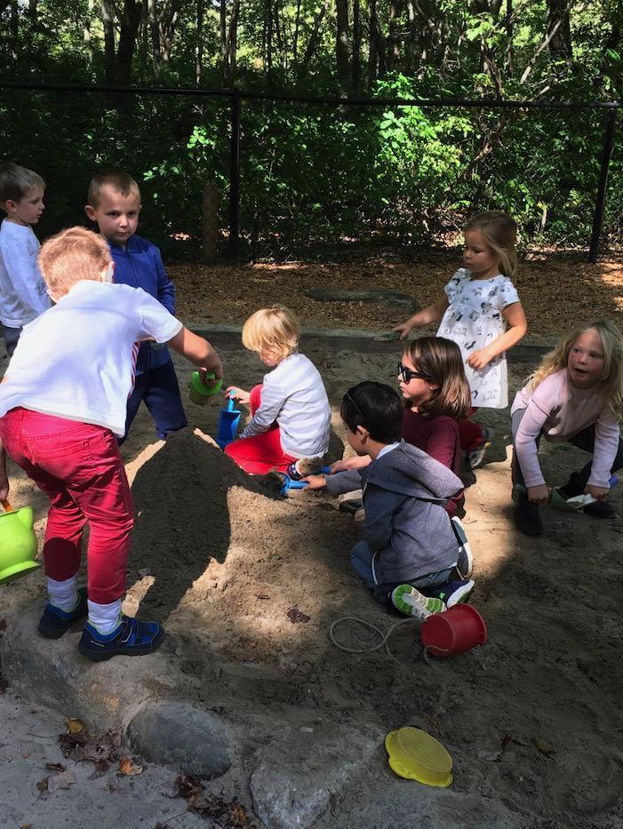 The Quest Montessori Day: Primary 33